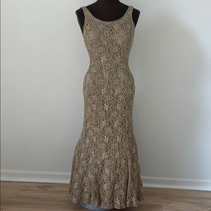 Cache Carmen Marc Valvo gown
